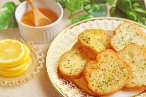 蜂蜜とガーリックトースト