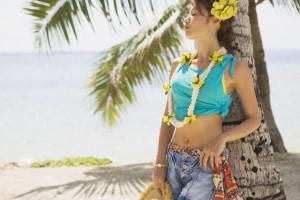 南の島にいる女性